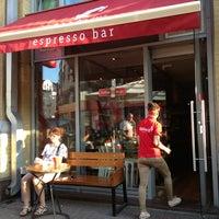 Снимок сделан в Чашка Espresso Bar пользователем Kate N. 6/30/2013