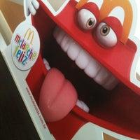 Foto tirada no(a) McDonald's por Maira Aparecida em 2/16/2013