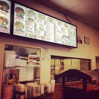 Foto tomada en Roberto's Taco Shop por Rob M. el 7/20/2013
