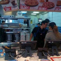 Photo taken at Domino's Pizza by .. .. on 6/10/2015