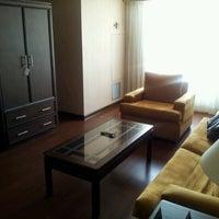 Foto tomada en Hotel Clarion Suites Guatemala City por Sylvia B. el 10/16/2012