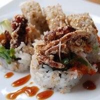 Foto tomada en Sushi Roll por Adxel el 10/25/2012
