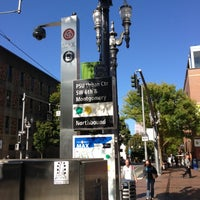 Photo taken at TriMet PSU/SW 6th & Montgomery MAX Station by Alexander on 10/2/2012