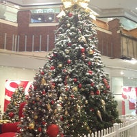 Photo taken at Glendale Galleria by Yeca on 12/31/2012