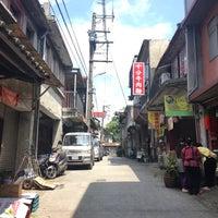 Photo taken at 十分老街 Shifen Old Street by Yip叶 on 3/24/2017