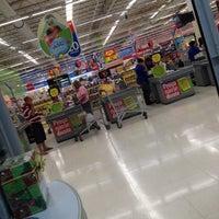 Foto tirada no(a) Extra Hipermercado por Thiago Matarazzo em 11/22/2012