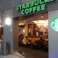 Das Foto wurde bei Starbucks von 'Zek K. am 12/4/2013 aufgenommen