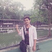 Photo taken at ฟาร์มช้างสวนสามพราน by Ake R. on 10/9/2013