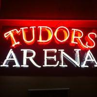 2/13/2013 tarihinde Sencan G.ziyaretçi tarafından Tudors Arena'de çekilen fotoğraf