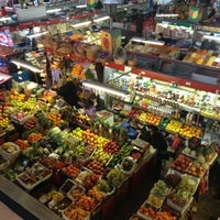 Снимок сделан в Житний рынок пользователем Наталія К. 12/13/2012