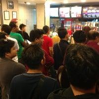 Photo taken at McDonald's by Abang Muhammad N. on 8/16/2013