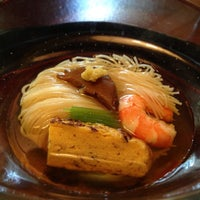 7/10/2013 tarihinde Ben C.ziyaretçi tarafından Tokyo Shiba Tofuya Ukai'de çekilen fotoğraf