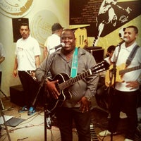 Photo taken at Pelé Arena Futebol & Café by Cristiany G. on 6/14/2013
