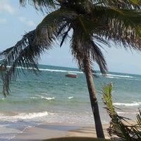 Foto tirada no(a) Praia do Francês por Kátia X. em 9/17/2012