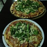 Foto tomada en Caprara Pizzeria por Jorge D. el 5/10/2013
