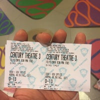 Photo taken at Shaw Theatres by Teong S. on 12/13/2016