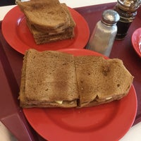 Photo taken at Ya Kun Kaya Toast 亞坤 by Teong S. on 10/6/2016