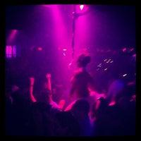 9/14/2012 tarihinde Josh R.ziyaretçi tarafından Mokai Lounge'de çekilen fotoğraf