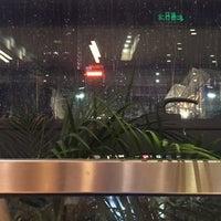 Photo taken at 24小时书吧 24 Hours Bookbar by Yanyun C. on 8/10/2015