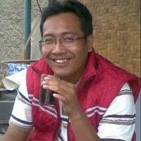 Photo taken at Pasar kaget juanda depok by Jendral A. on 1/20/2013