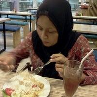 Photo taken at Bakso Lapangan Tembak by irzet k. on 12/13/2012