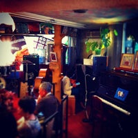 Photo prise au Nefertiti Jazz Cafe & Bar par Ichitaro K. le5/30/2015