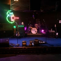 Photo taken at Dan Electro's Guitar Bar by Chad S. on 4/4/2015