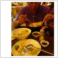 Photo taken at Chowking by Gisela on 7/29/2013