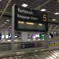 Photo taken at Baggage Claim 5 by Pradabpong W. on 7/2/2017