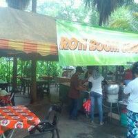 Photo taken at Roti Boom Corner by Khairul Aswar Mohamed on 3/30/2013