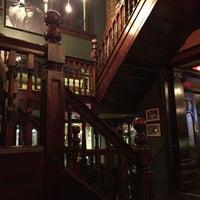 Das Foto wurde bei Rí Rá Irish Pub von Jennifer B. am 11/26/2015 aufgenommen