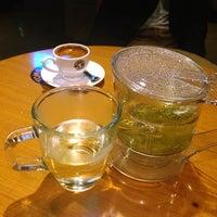 Photo taken at TOM N TOMS COFFEE by HYUNDAN K. on 5/1/2014