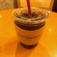 Photo taken at TOM N TOMS COFFEE by HYUNDAN K. on 6/4/2017
