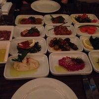 Das Foto wurde bei Mazza Restaurant von Stefan M. am 3/7/2015 aufgenommen