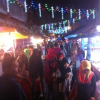 Photo taken at Pasar Malam Jalan Tuanku Abdul Rahman by shafwan w. on 12/1/2012