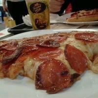 1/26/2013 tarihinde Henrique T.ziyaretçi tarafından Pizza Hut'de çekilen fotoğraf