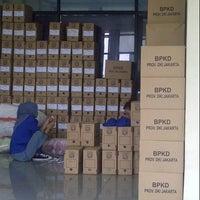 Photo taken at Samsat Jakarta Timur by Indra A. on 1/15/2013