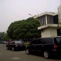 Photo taken at Samsat Jakarta Timur by Indra A. on 12/14/2012