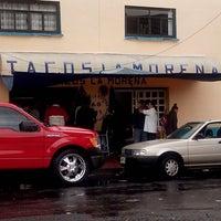 Foto tomada en Tacos La Morena por Mau M. el 7/5/2013