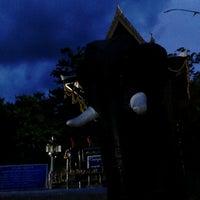 Photo taken at ศาลสมเด็จพระนเรศวรมหาราช หนองบัวลำภู by Ap.nopphasul on 6/28/2013