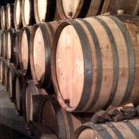 Foto scattata a Brasserie Cantillon Brouwerij da Jessica W. il 10/2/2012