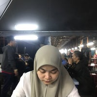 Photo taken at Nasi Lemak Dua Ringgit by Ezzaty 🤖 on 7/21/2018