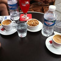 Photo prise au Café du Pont-Neuf par Hüseyin S. le6/8/2013