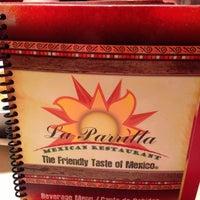 Foto tomada en La Parrilla Mexican Restaurant por Pete K. el 7/7/2013