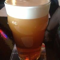 Foto tirada no(a) Crown & Anchor Pub por Gus em 10/26/2012