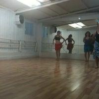 3/1/2013 tarihinde Myrnaziyaretçi tarafından Artium Dance Center'de çekilen fotoğraf