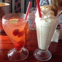 Photo taken at Red Robin Gourmet Burgers by kassie r. on 12/8/2012