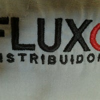Photo taken at Fluxo Distribuidora by Vitor S. on 12/5/2012
