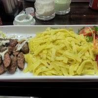 รูปภาพถ่ายที่ Green Salads โดย Damla T. เมื่อ 10/1/2012
