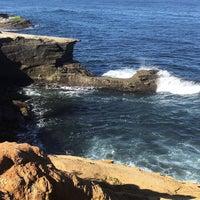 Foto tirada no(a) Cliffs At Ocean Beach por Peggy G. em 5/20/2017